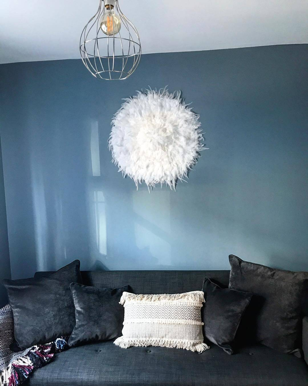 Blue living room: check out this new build home in the UK - it's eclectic, glamorous and welcoming @my_home_impression