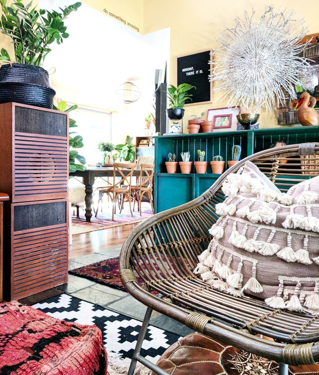 Find out what you need to create a boho look like this in your home on www.lovetohome.co.uk Photo credit: @the.hectic.eclectic via Instagram
