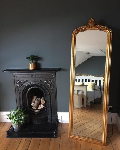 Valspar dark paint dark bedroom with gold mirror on www.lovetohome.co.uk - photo credit with permission from Claire via @houseofharwoodandrose on Instagram
