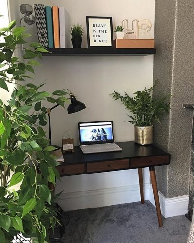 Study/home office/office nook in the living room on www.lovetohome.co.uk - photo credit with permission from Claire via @houseofharwoodandrose on Instagram