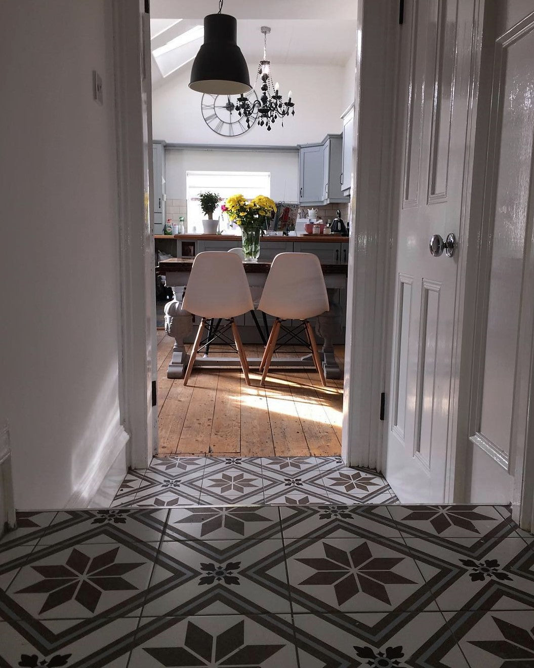 Tiled floorway in hallway/entryway leading to an open plan kitchen diner in a Victorian terrace on www.lovetohome.co.uk - photo credit with permission from Claire via @houseofharwoodandrose on Instagram