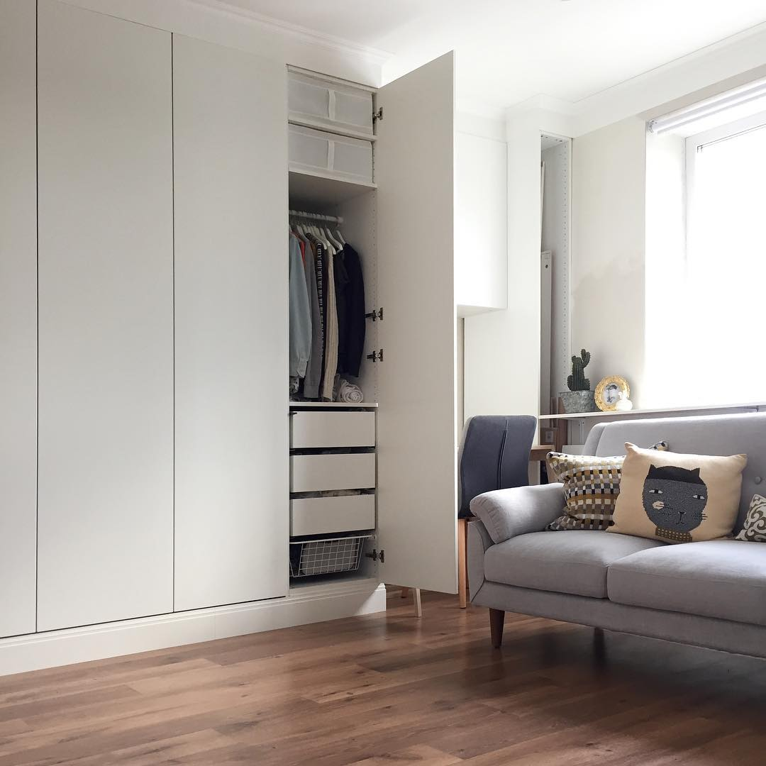 Invest in good storage if you want your home to look clutter free and expensive. Photo credit: Evgeniya via @foxyandbrass