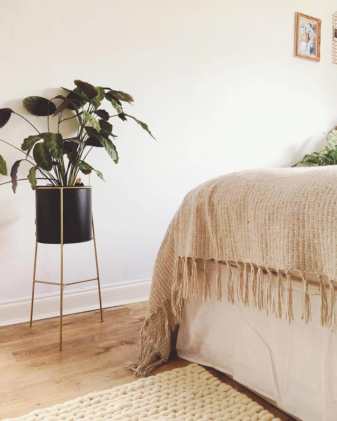 It's easy to infuse your home with positive vibes when you know how. Find out more on www.lovetohome.co.uk. Photo credit: @heymamablog via Instagram