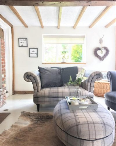 Living room sofa: Would you renovate a listed property? Amanda did. Find out how she got in here on www.lovetohome.co.uk - Photo credit: with permission from @theoldforgecottage