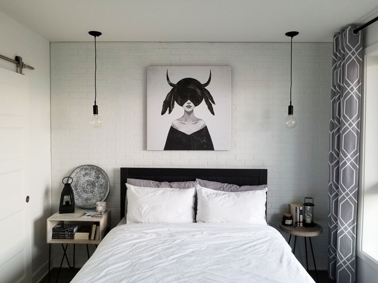 Check out this modern white bedroom with monochcrome industrial details