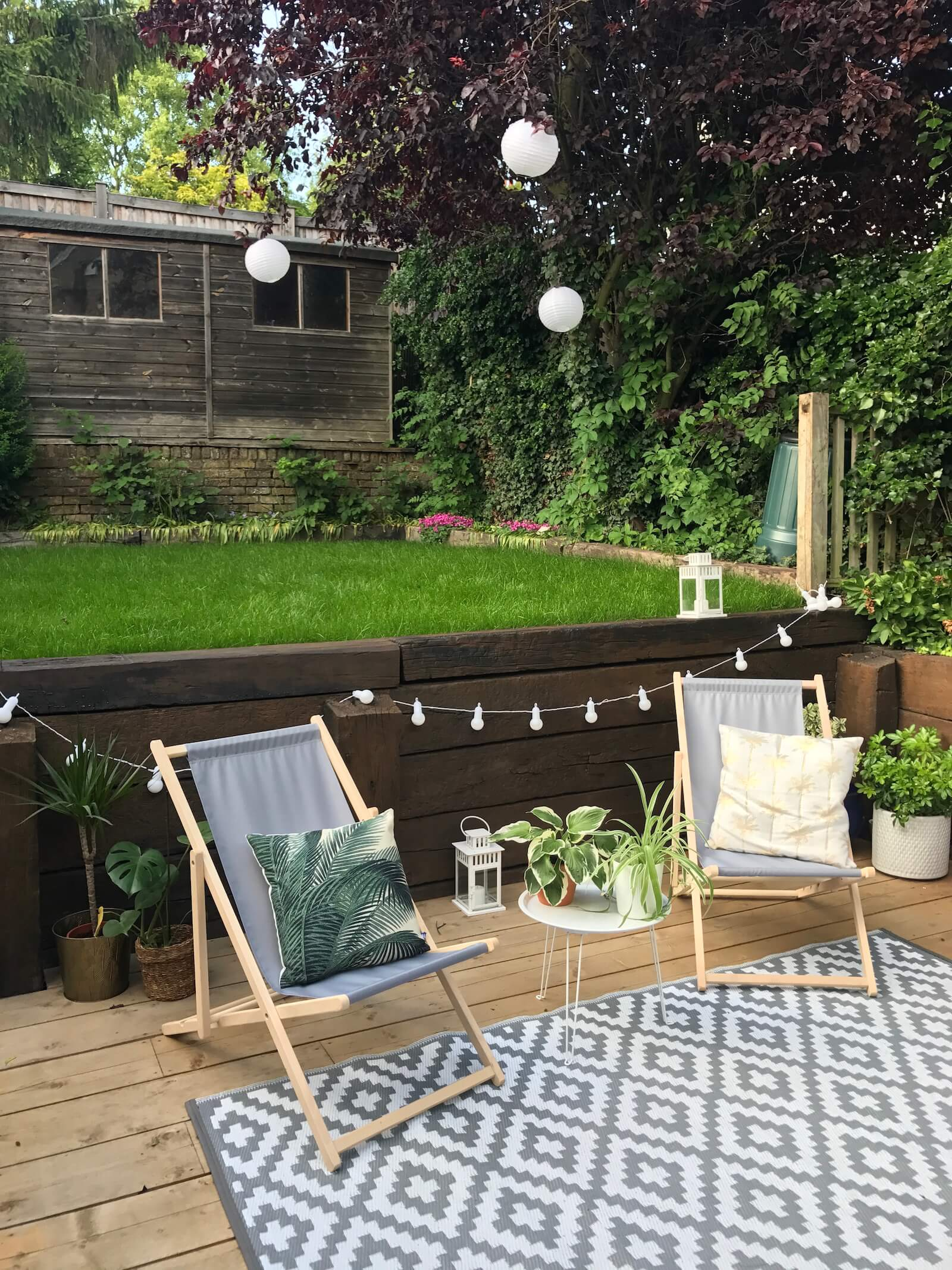 Love this Scandinavian garden? It's a Victorian Terrace in the UK - come and see the whole home tour on www.lovetohome.co.uk