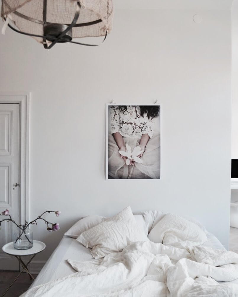 Make a small change to your bedroom that packs a big punch with one of these tips on www.lovetohome.co.uk. Photo credit: Denice Lindell via @stylingbydenice and http://stylingbydenice.elsasentourage.se/