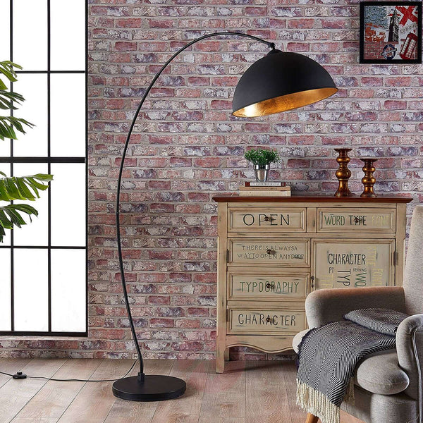 Curved floor lamp Jonera, black and gold