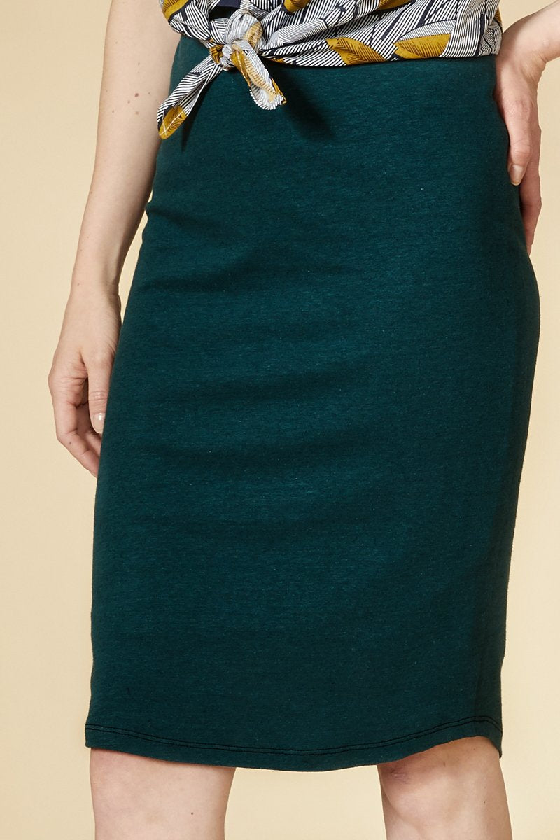 Teal ultra comfortable straight skirt with slightly adjusted cut. 55% linen, 45% cotton Hand wash in cold water, air dry flat. Designed and Made in Montréal.