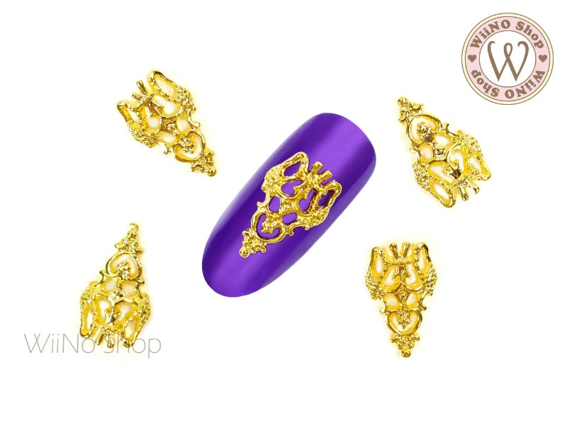 Gold Daina Vintage Hollow Pattern Nail Metal Charm - 2 pcs