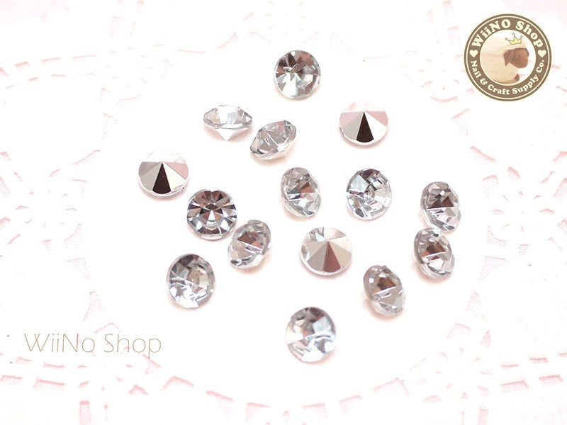 8mm Clear Round Diamond Style 3D Point Back Acrylic Rhinestone - 15 pcs