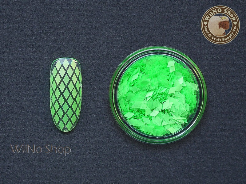 2 x 3mm Neon Green Diamond Shape Glitter