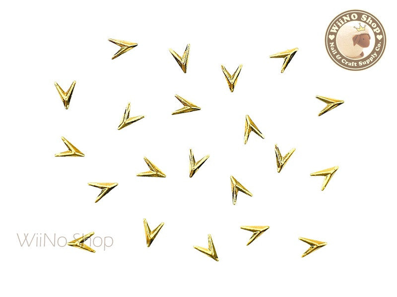 Gold Arrowhead Metal Studs - 10 pcs