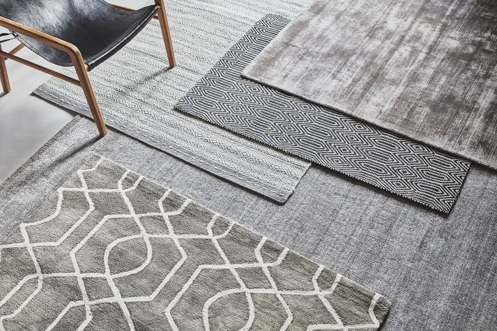 Welcoming the autumn in seasonal style layering rugs