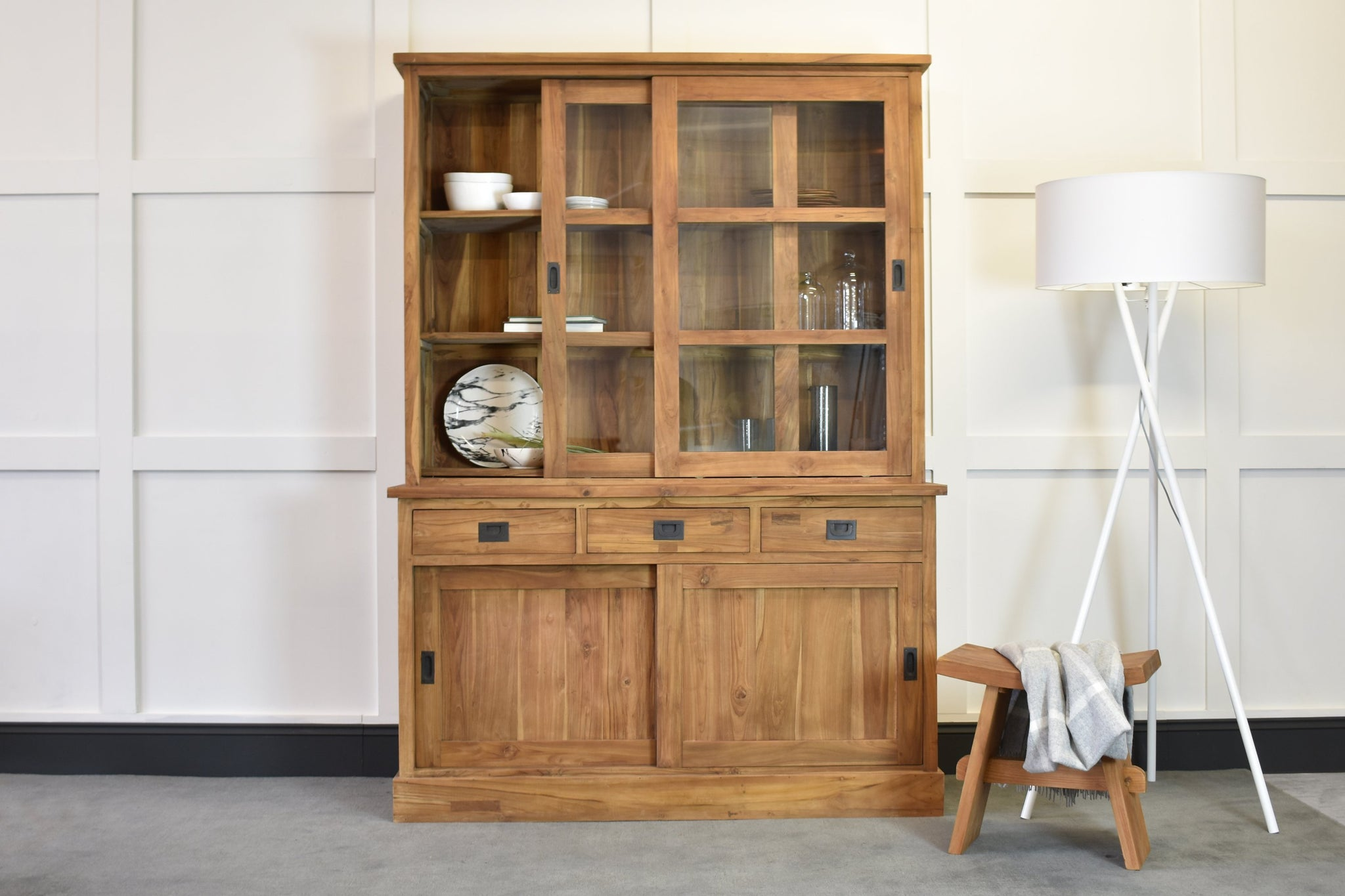 Lifestyle Shop Cabinet