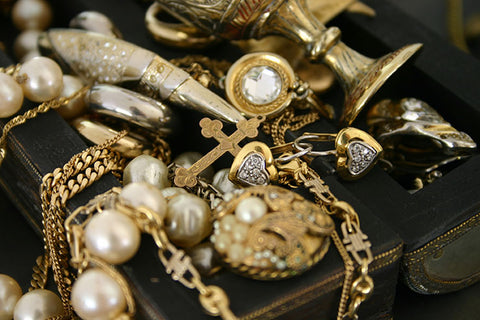 How to Maintain the Beauty and Luster of Antique Heirloom Jewelry