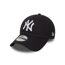 Load image into Gallery viewer, New York Yankees Essential 9Forty