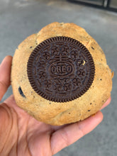 Load image into Gallery viewer, Vegan Peanut butter Oreo