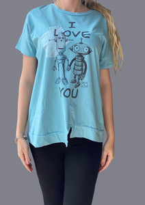 "T-Shirt 100% cotone col. Celeste. Stampa digitale "" I Love You "" - Vestibilità over"