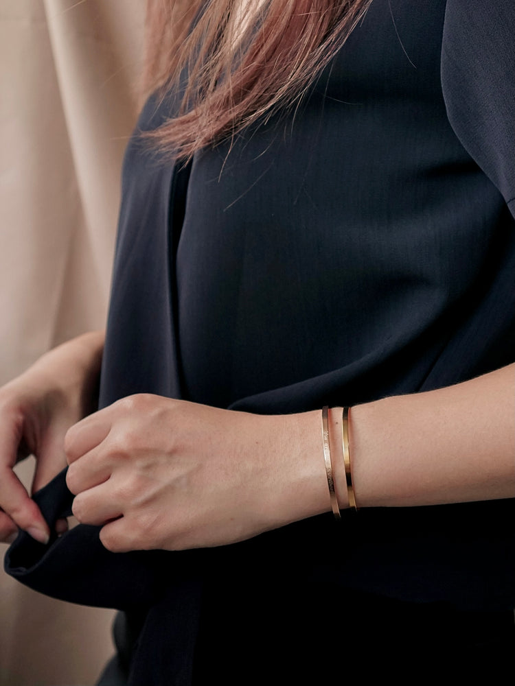 Kai Skinny Bangle — Gold