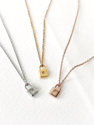 Winfrey Lock Necklace — Gold