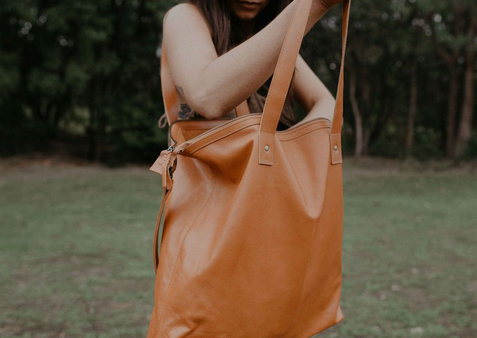 Nora Tote - Amber