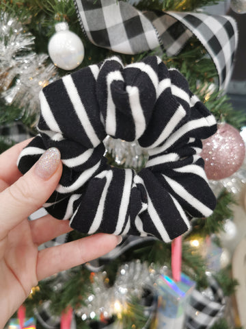 Handmade Scrunchie - Black & White Stripe