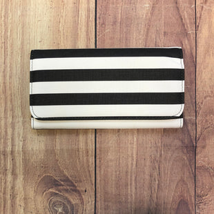 Primary Photo - BRAND: KUT STYLE: WALLET COLOR: STRIPED SIZE: LARGE OTHER INFO: BLACK/WHITE-NEW! SKU: 178-178102-57410