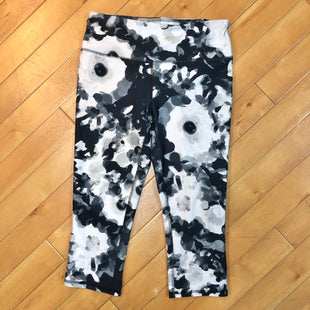 Primary Photo - BRAND:  DSGSTYLE: ATHLETIC CAPRIS COLOR: MULTI SIZE: M OTHER INFO: DSG - WHITE/ GREY/ BLACK SKU: 178-178199-2680