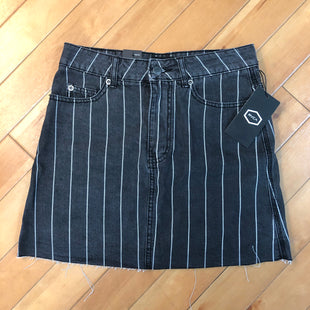 Primary Photo - BRAND: RVCASTYLE: SKIRT COLOR: CHARCOAL SIZE: 4 OTHER INFO: RVCA - NEW! SIZE 27 SKU: 178-17883-11534
