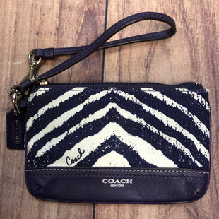 Primary Photo - BRAND: COACH STYLE: WRISTLET COLOR: BLUE WHITE SKU: 178-178102-56129