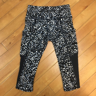Primary Photo - BRAND: ATHLETA STYLE: ATHLETIC CAPRIS COLOR: PRINT SIZE: XS OTHER INFO: BLACK/WHITE/GREY/NAVY SKU: 178-178213-167