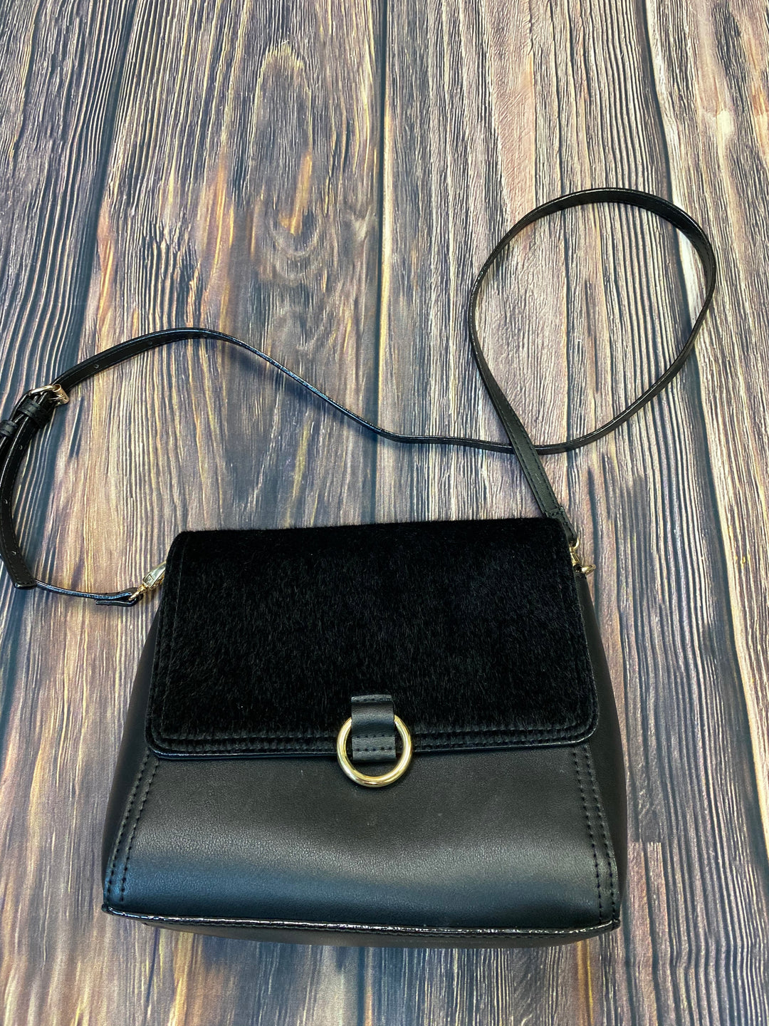 Primary Photo - BRAND: NEIMAN MARCUS <BR>STYLE: HANDBAG <BR>COLOR: BLACK <BR>SIZE: SMALL <BR>OTHER INFO: FAUZ FUR <BR>SKU: 178-178199-3075