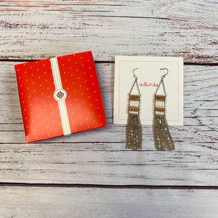 Primary Photo - BRAND: STELLA AND DOT STYLE: EARRINGS COLOR: GOLD SILVER OTHER INFO: WHITE BEADS SKU: 178-178102-61370