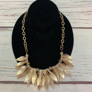 Primary Photo - BRAND:  STYLE: NECKLACE COLOR: GOLD OTHER INFO: PINK/CREAM/MAUVE TWISTED SPIKES SKU: 178-178102-64041