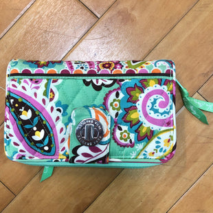 Primary Photo - BRAND: VERA BRADLEY CLASSIC STYLE: WALLET COLOR: PAISLEY SIZE: LARGE SKU: 178-178114-15454