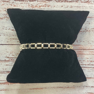 Primary Photo - STYLE: BRACELET COLOR: SILVER OTHER INFO: CUFF SKU: 178-178212-3976