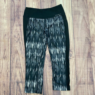 Primary Photo - BRAND: EDDIE BAUER STYLE: ATHLETIC CAPRIS COLOR: PRINT SIZE: S OTHER INFO: BLACK/OLIVE/WHITE SKU: 178-178102-56875