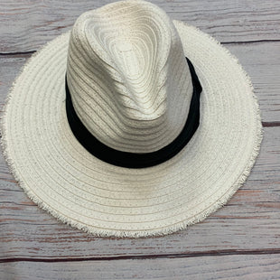 Primary Photo - BRAND: STEVE MADDEN STYLE: HAT COLOR: STRAW OTHER INFO: WHITE W/ BLACK RIBBON SKU: 178-178102-63826