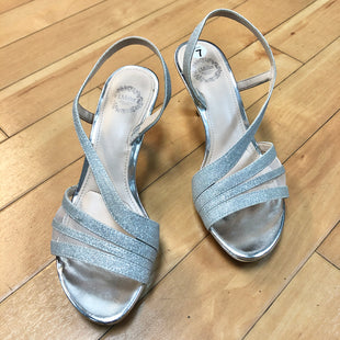 Primary Photo - BRAND: RIALTO STYLE: SHOES HIGH HEEL COLOR: SILVER SIZE: 7 SKU: 178-178202-184
