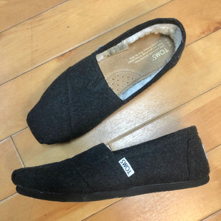 Primary Photo - BRAND: TOMS STYLE: SHOES FLATS COLOR: CHARCOAL SIZE: 6.5 SKU: 178-17883-12899
