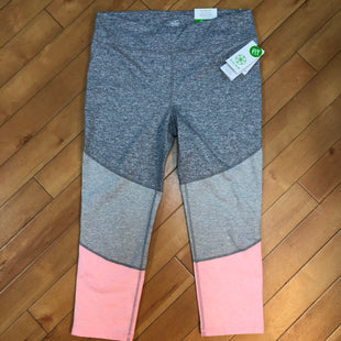 Primary Photo - BRAND: GAIAM STYLE: ATHLETIC CAPRIS COLOR: GREY SIZE: L OTHER INFO: NEW! GREY/WHITE/PINK SKU: 178-178102-58737