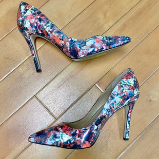 Primary Photo - BRAND: BCBGENERATION STYLE: SHOES HIGH HEEL COLOR: MULTI SIZE: 7.5 OTHER INFO: WHITE/ PINK/ RED SKU: 178-178199-3261