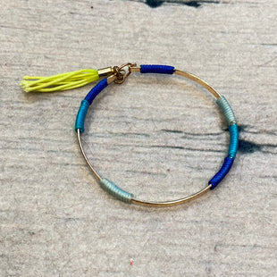 Primary Photo - STYLE: BRACELET COLOR: GOLD OTHER INFO: BLUE/NEON YELLOW/TEAL STRING WRAP SKU: 178-178102-58175