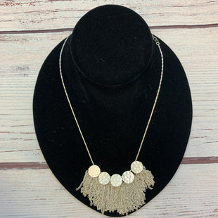 Primary Photo - BRAND: N/ASTYLE: NECKLACE COLOR: SILVER OTHER INFO: CIRCLES W/ FRINGE SKU: 178-178102-64040