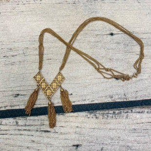 Photo #1 - STYLE: NECKLACE COLOR: GOLD OTHER INFO: DIAMONDSHAPES W/CHAINS SKU: 178-17853-895