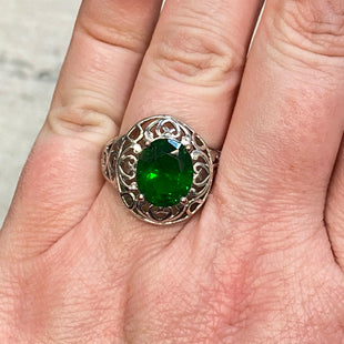 Primary Photo - STYLE: RING COLOR: STERLING SILVER SIZE: 7.5OTHER INFO: GREEN JEWEL SKU: 178-17853-899