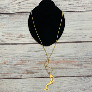 Primary Photo - BRAND:    STYLE: NECKLACE COLOR: GOLD OTHER INFO: FISH SKU: 178-178212-6279