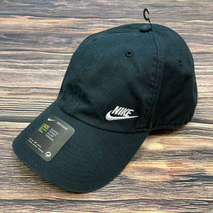 Primary Photo - BRAND: NIKE STYLE: HAT COLOR: BLACK OTHER INFO: BASEBALL CAP-NEW! SKU: 178-178102-54386