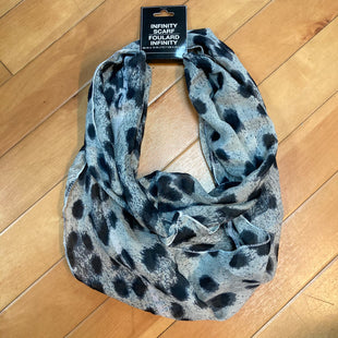 Primary Photo - STYLE: SCARF COLOR: ANIMAL PRINT OTHER INFO: NEW! INFINITY GREY SKU: 178-178102-56148